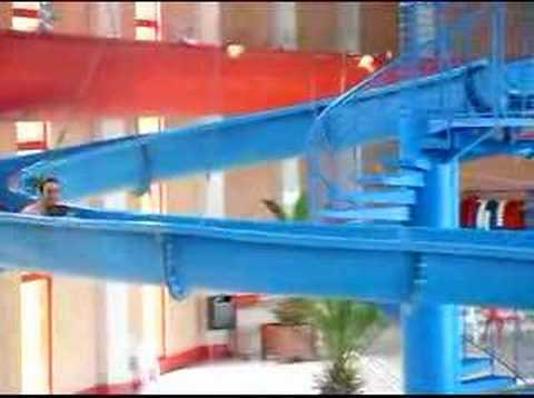 Grand toboggan piscine d 39 issoudun youtube for Piscine lievin