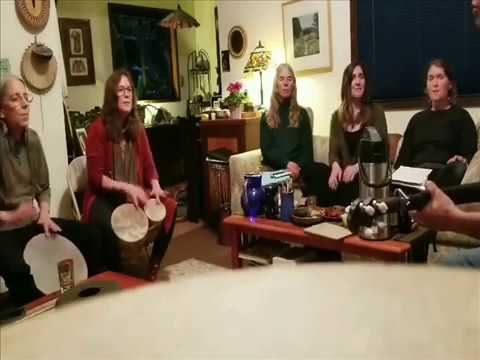"""Aslm"" Archach أغنية "" أسلم "" أرشاش أغنية أمازيغية تغنى جماعة من طرف أجانب وسط أمريكا"