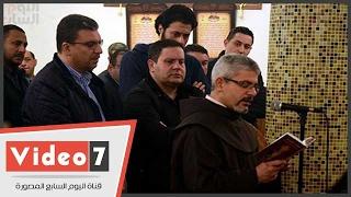 أشرف زكى ومحمود سعد والسعدنى أول الحاضرين لجنازة والدة إدوارد