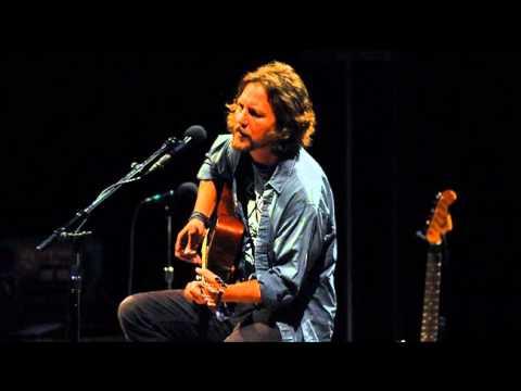 Eddie Vedder - Hurt (live, 2008) HQ