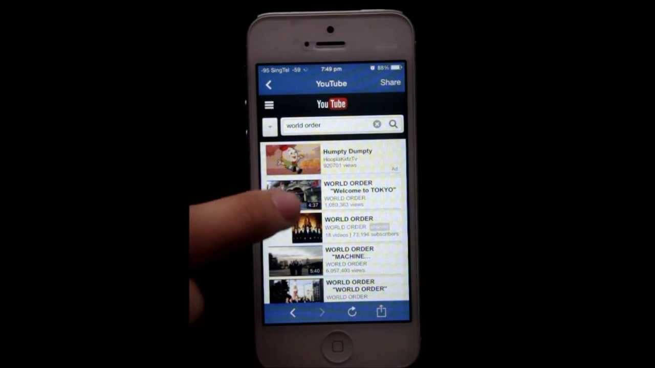 play youtube with screen off iphone how to play song from on iphone 5 locked screen 8254