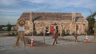 Guinness World Record: Largest Gingerbread house in the world sets record
