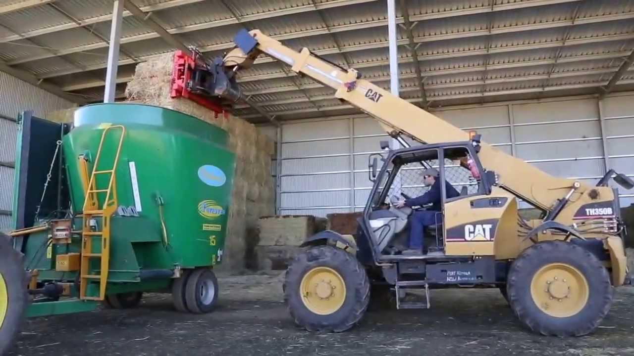 Tuskan - Loading Tub Mixer Wagon - YouTube