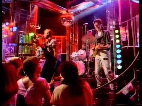 Level 42 - The Sun Goeas Down. Top Of The Pops 1983