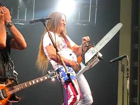 Front row! Jackyl 'The Lumberjack Song' live in concert in California! Enjoy! NAMM