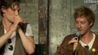Repeat youtube video TARDIS trio sing Bohemian Rhapsody (Smith, Gillan, Darvill Comic Con 2012)