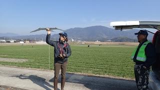 武雄の北方でロボタンを飛ばしています.