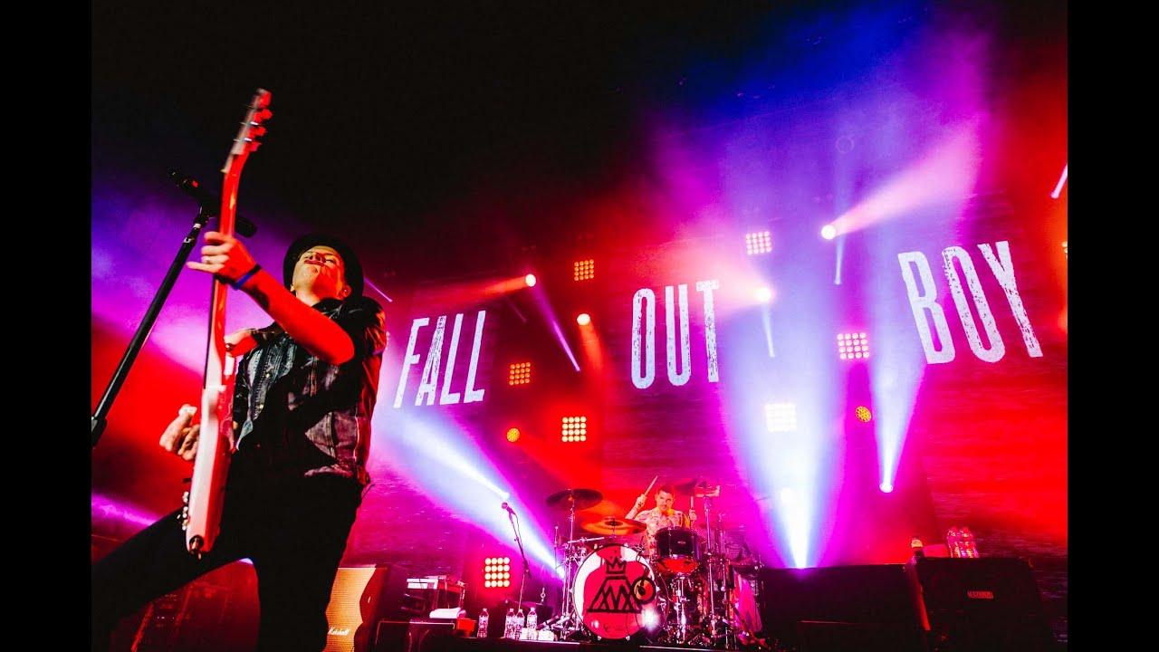 Fall Out Boy Mania Wallpaper Fall Out Boy American Beauty American Psycho Live In