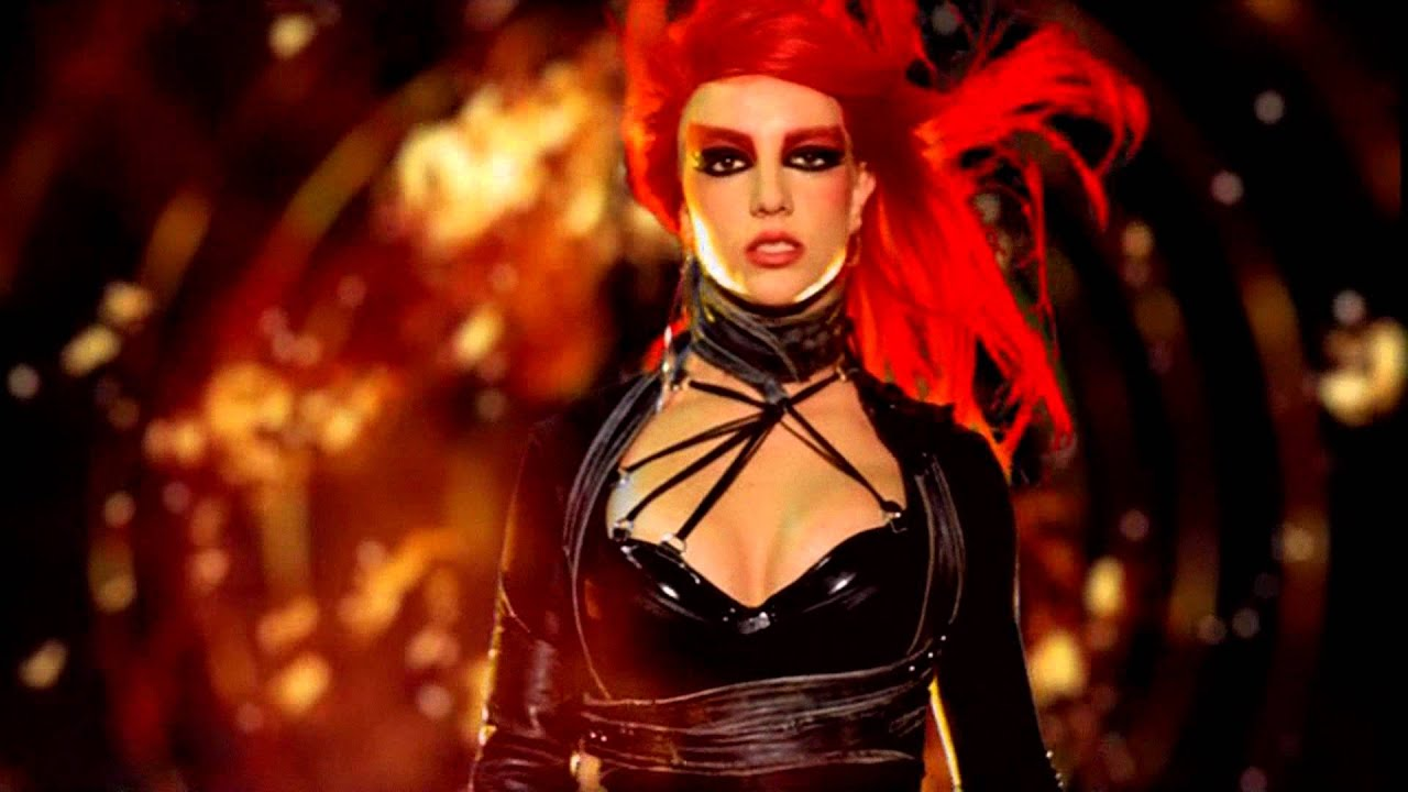 Flight attendant nails Britney's 'Toxic' video with ...