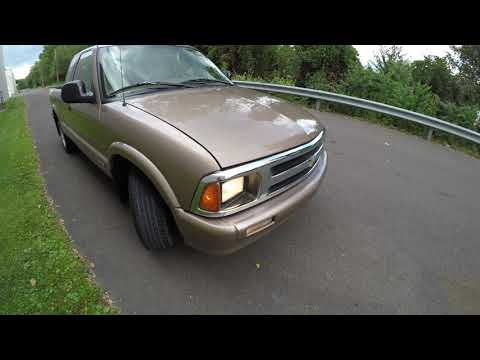 4K Review 1996 Chevrolet S10 Pick-up Truck Virtual Test-Drive & Walk-around