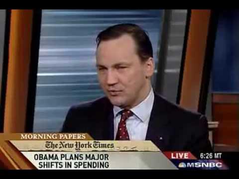 """Radosław Sikorski w programie """"Morning Joe"""", MSNBC."""