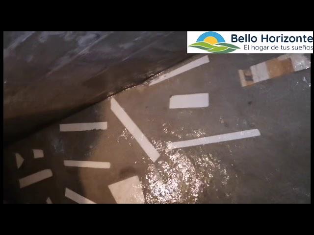 Quebrada regresa a su cause y brota entre las casas de residencial Bello Horizonte en Choloma