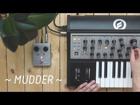 Tilde Elektriske Kretser // Mudder - Demo with Sub Phatty