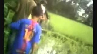 tugas persentasi vidio mengenalkan cara berburu biawak
