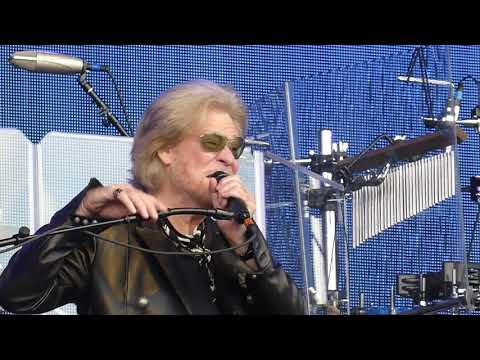 daryl-hall-&-john-oates---i-can't-go-for-that-(no-can-do)---bospop-13-july-2019