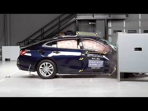 2017 Chevrolet Malibu passenger-side small overlap IIHS crash test