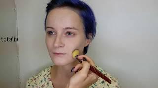 Видео-урок по макияжу. Цветные стрелки