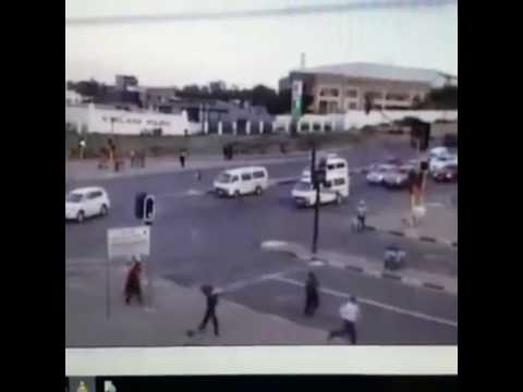 Video footage of taxi crash at intersection on the R55 in Kyalami