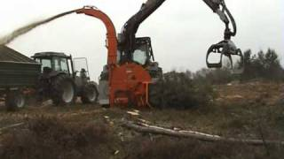 FARMI CH380HFC energy wood chipper(, 2010-02-12T06:46:46.000Z)