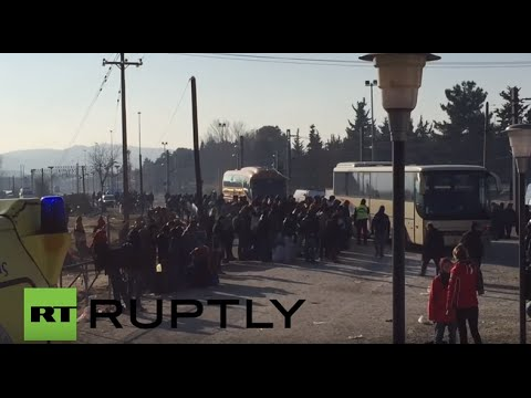 Greece: Police conduct forced deportation of 'economic migrants'