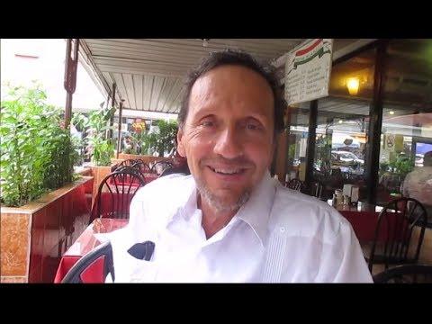 Eating out in Panama City, PANAMA - Travel VLOG