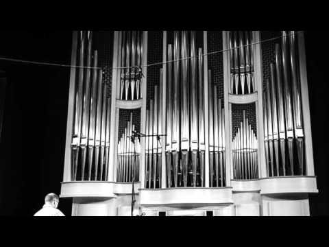Kenneth Meyer performs Sohn Laios  Hans Werner Henze