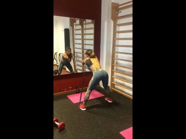 Full Body Workout by Mónika Jákliová
