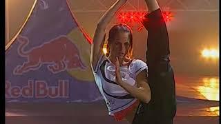 Хлоя Брюс 14-кратная чемпионка мира по карате!