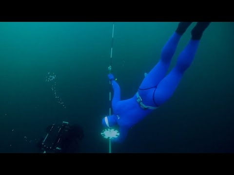 Watch these Russian freedivers try and break a world record