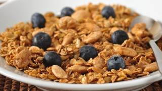 Homemade Granola Recipe Demonstration - Joyofbaking.com