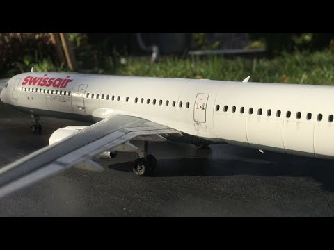 Revell Airbus A321 Swissair assembly