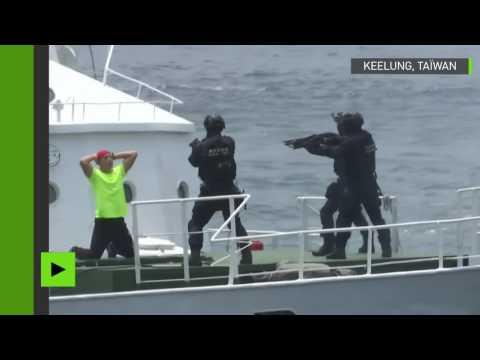 Taïwan : les garde-côtes montrent les muscles à l'occasion d'exercices militaires