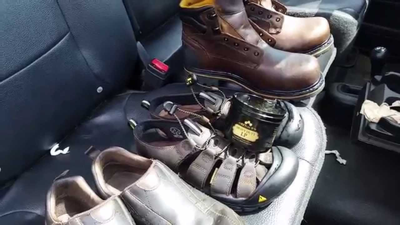 How To Apply Leather Preservative To Shoe