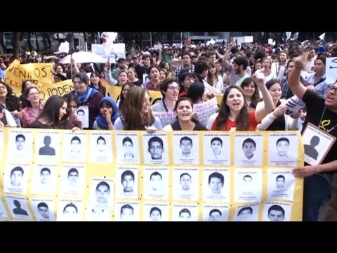 As Obama Hosts Peña Nieto, Explosive Report Ties Mexican Federal Police to Students' Disappearance