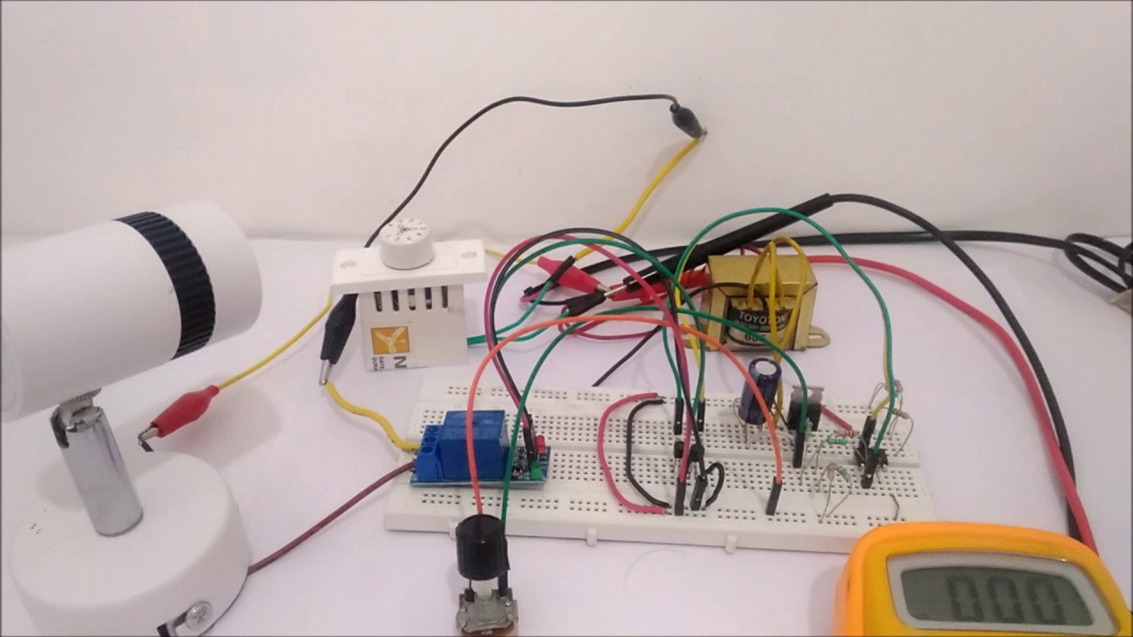 Electronic Circuit Breaker Youtube Thermometer With Explanation Circuits