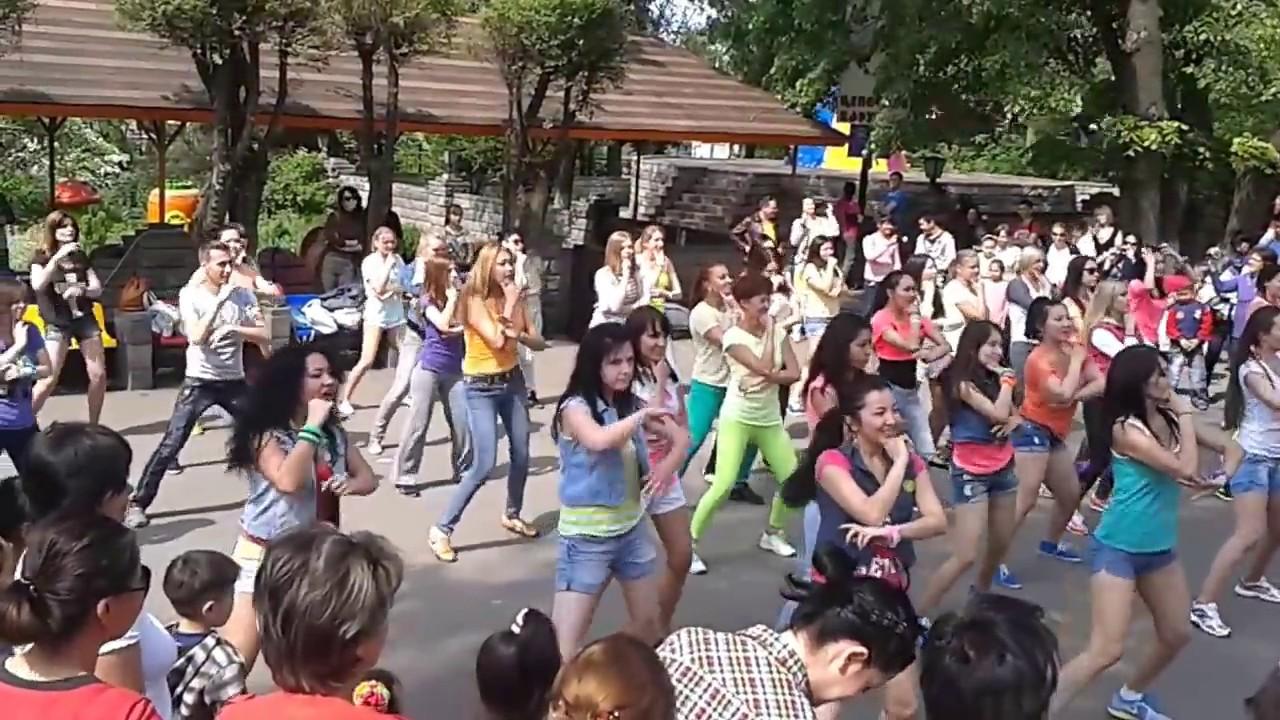 Алматы, Фэмили парк, аквапарк, 2 11 19 - YouTube
