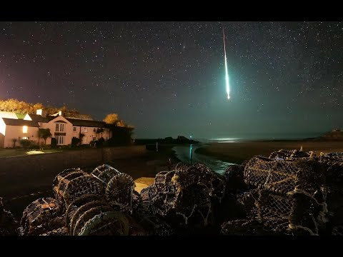 """""""Unusually large"""" meteor lights up the night sky in Norway before hitting Earth"""