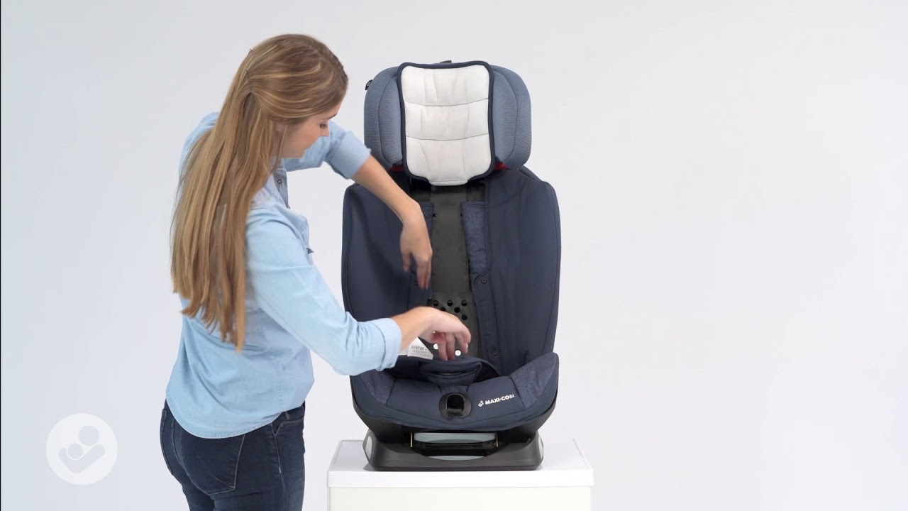Maxi Cosi Titan Car Seat How To Adjust The Seat From Group 1 To Group 2 3 Youtube