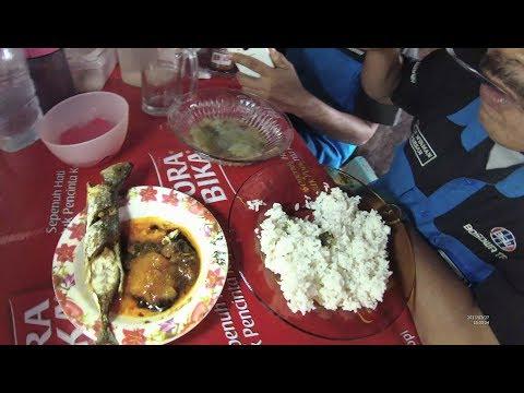 Indonesia Makassar Street Food 2420 Sayur Bening Makassar Ikan YDXJ0517