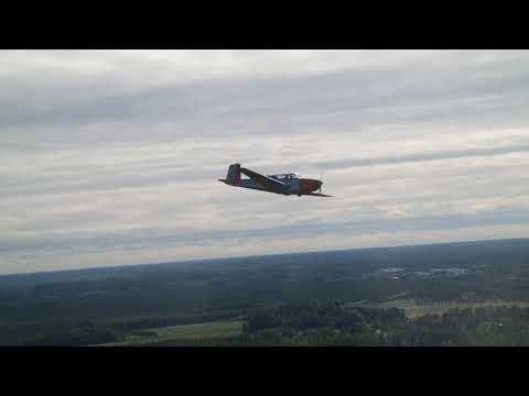Saab 91D Safir air-to-air video