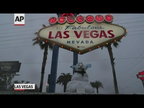 Bet on it: Snow falls on Las Vegas Strip