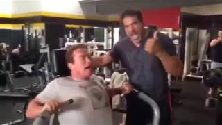 Lou Ferrigno and Arnold Schwarzenegger Pumping Iron