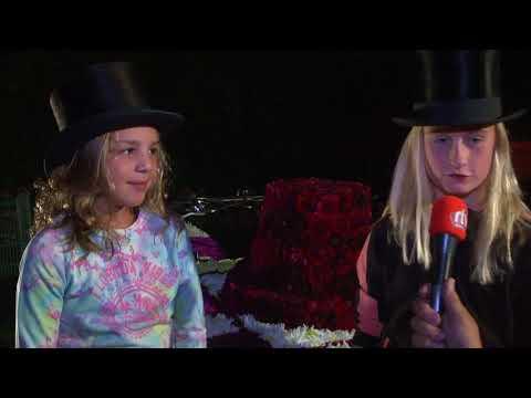 Danique En Dieuwke Plakken Tot Diep In De Nacht