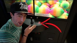 I'VE NEVER Seen A Claw Machine DO THIS!!