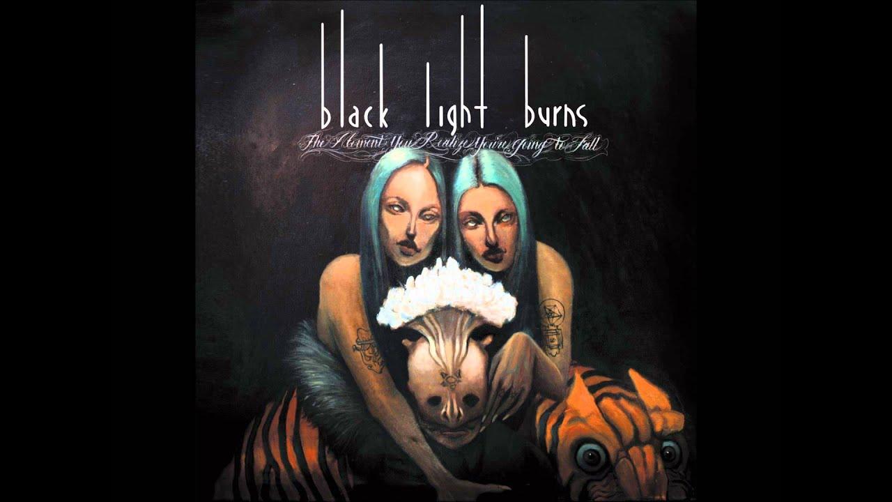 black-light-burns-the-girl-in-black-vendetta4849