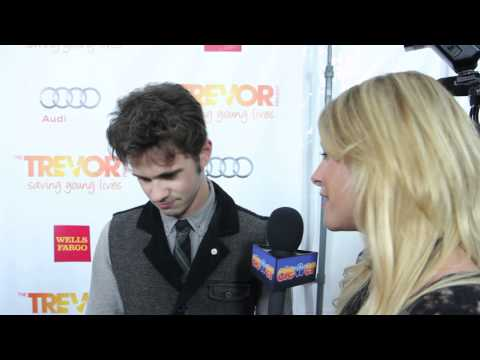 Connor Paolo Talks Gossip Girl Finale Return!