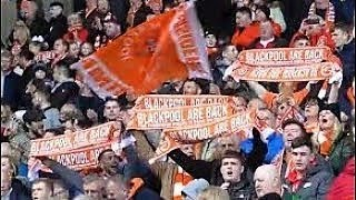 Amazing Blackpool Fc Fans Sing Their Hearts Out At Their Historic Homecoming Blackpool Are Back Youtube
