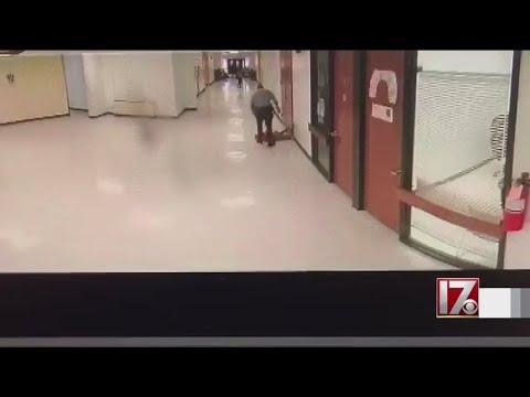 Manny's - Shocking Video Shows School Resource Officer Body Slamming Teen
