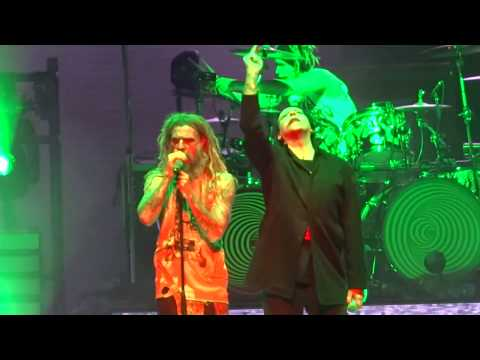 """Rob Zombie & Marilyn Manson - """"Helter Skelter"""" [Beatles cover] (Live in Phoenix 8-26-18)"""