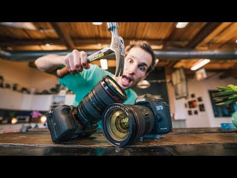7 DANGERS OF MIRRORLESS Cameras VS DSLR Cameras 2018